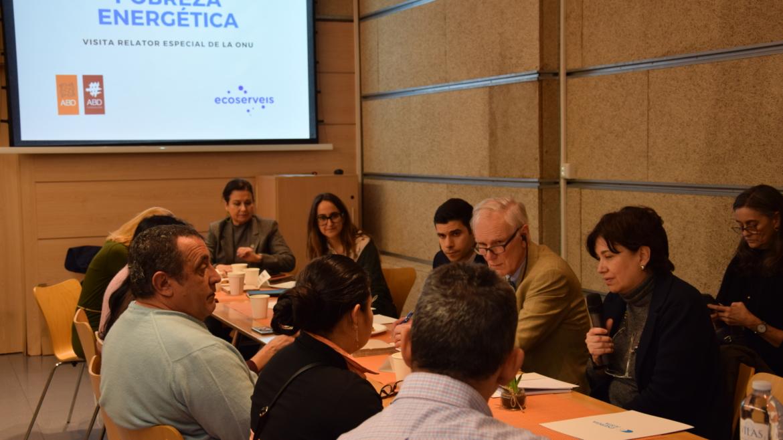 Experto de la ONU en DDHH visita ABD-Ecoserveis para conocer a personas afectadas por pobreza energética
