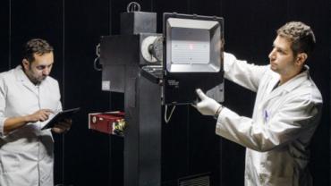 Aprèn, practica i viu les bases per desenvolupar projectes d'il·luminació